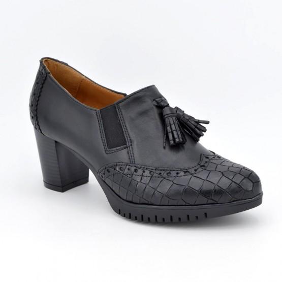 1061180 - Zapato abotinado borlas negro